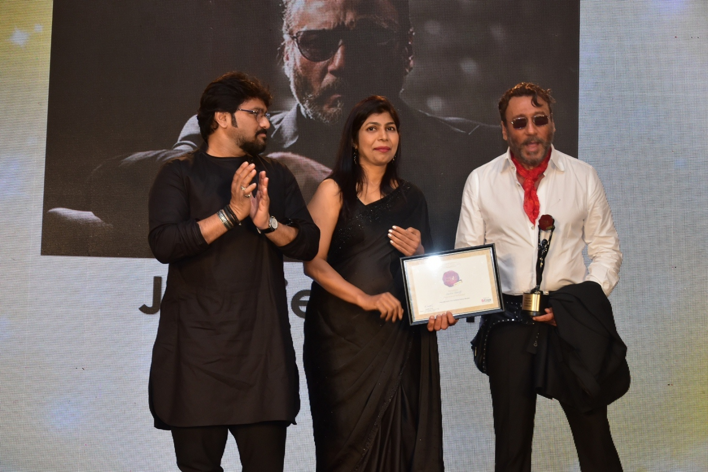 Jackie Shroff being awarded at The Economic Times Iconic Brands 2018