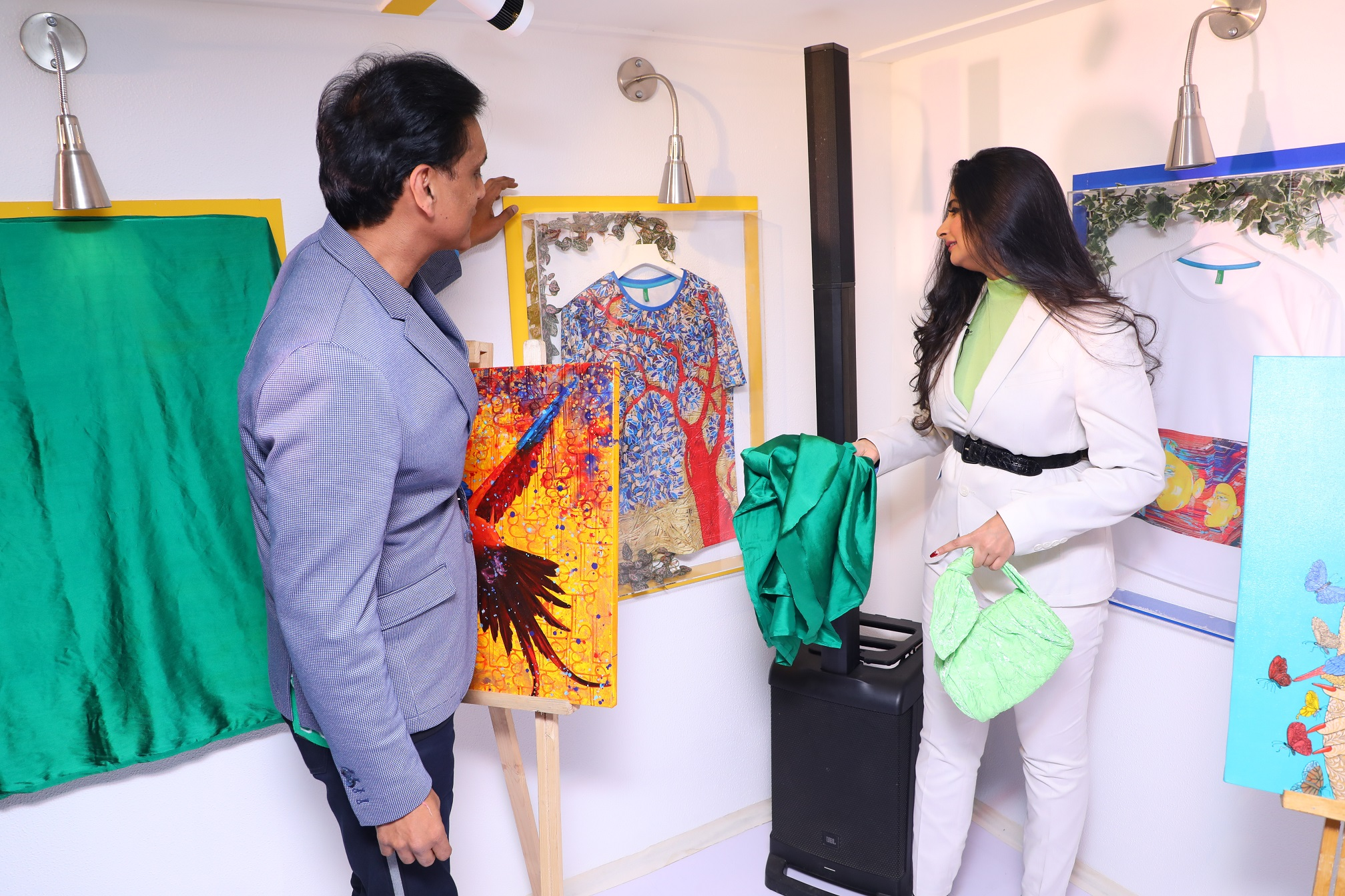 Talent Powerhouse Rhea Kapoor & Sundeep Chugh - MD & CEO of Benetton India at the launch of Benetton's collectible art line (1)